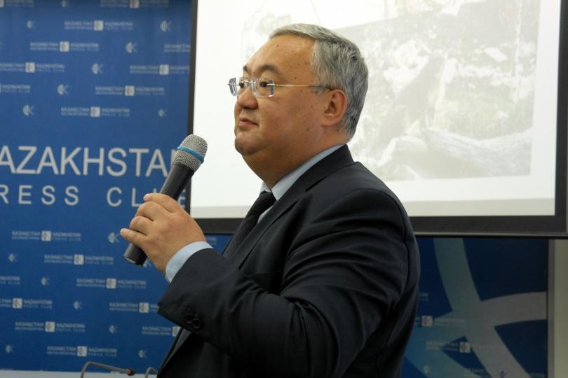 Директор зоопарка Канат Каримов