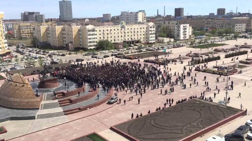 Митинг на площади Атырау