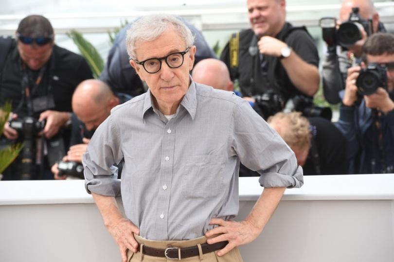 Вуди Аллен позирует фотографам 69 Каннского кинофестиваля