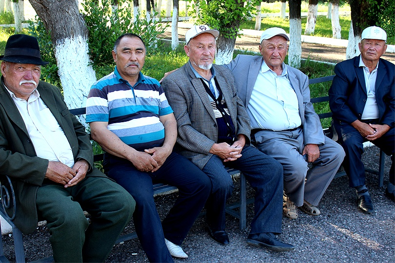 Старейшины села Актоган ждут районного акима