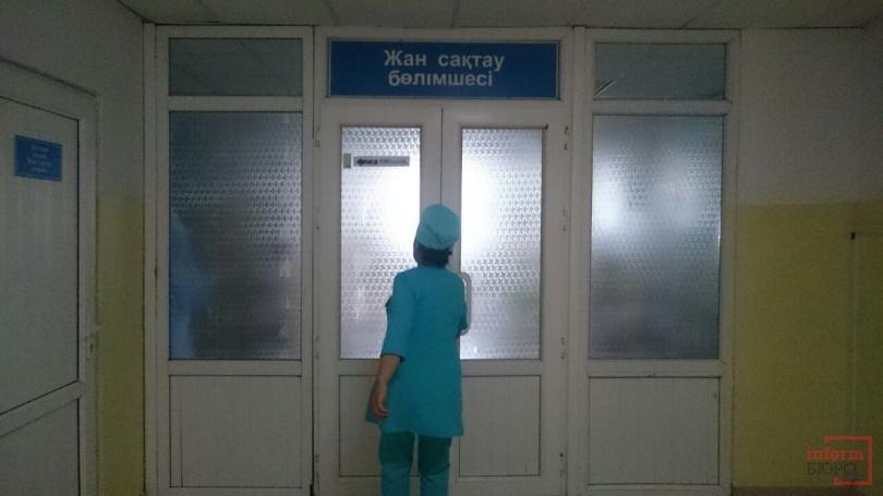 В отделение реанимации, где лежит Баян Есентаева, никого не впускают