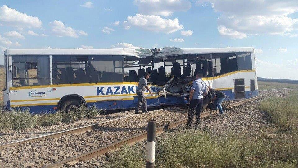 В результате столкновения пострадали 17 человек
