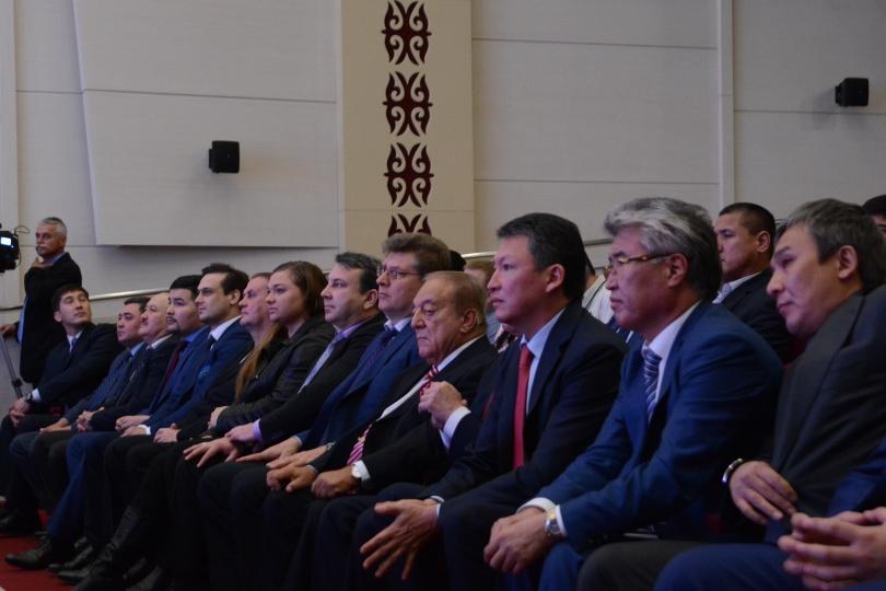 Почетные гости церемонии награждения лучших тяжелоатлетов года
