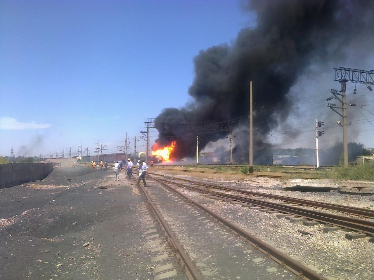 В Шымкенте снова загорелись цистерны