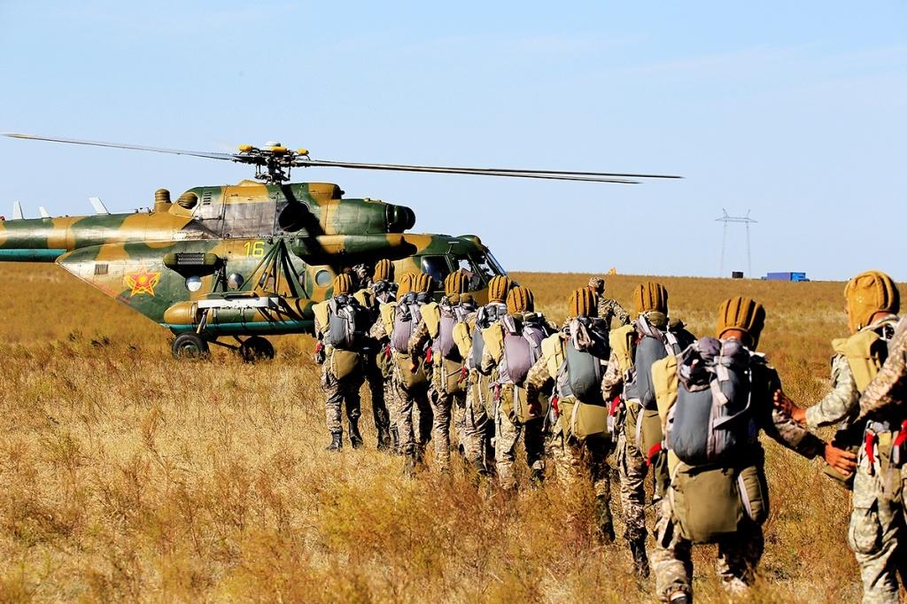 Военный десант штурмовал Капшагайское водохранилище