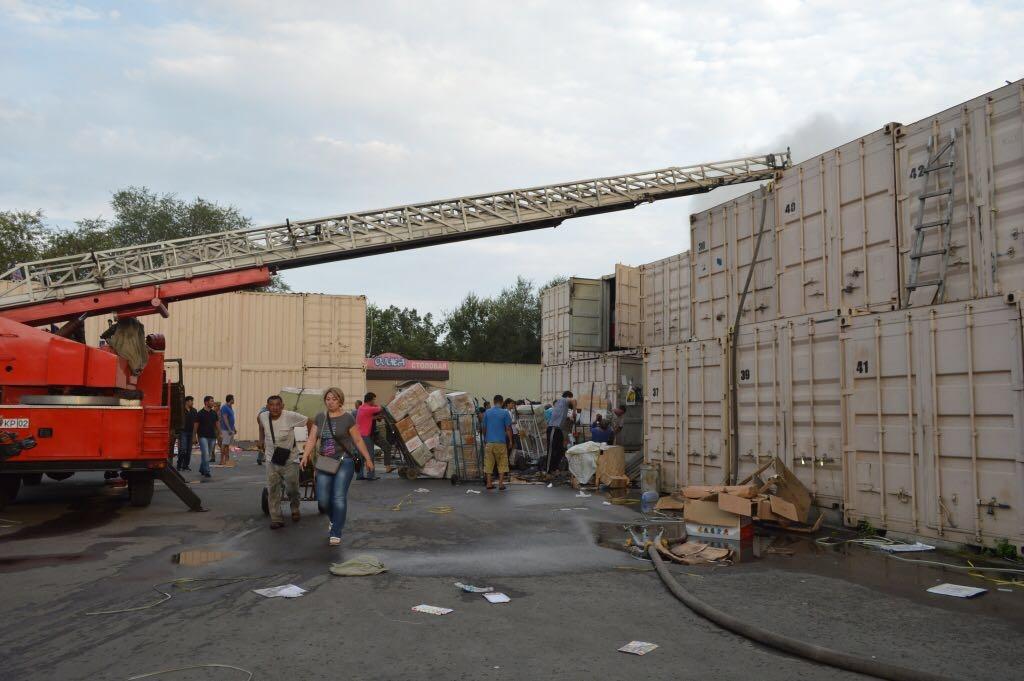 Предприниматели спасали своё имущество прямо во время работы пожарных