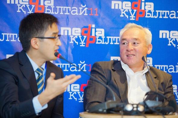 Болат Берсебаев и Сейтказы Матаев на четвёртом Медиакурултае, 2012 год