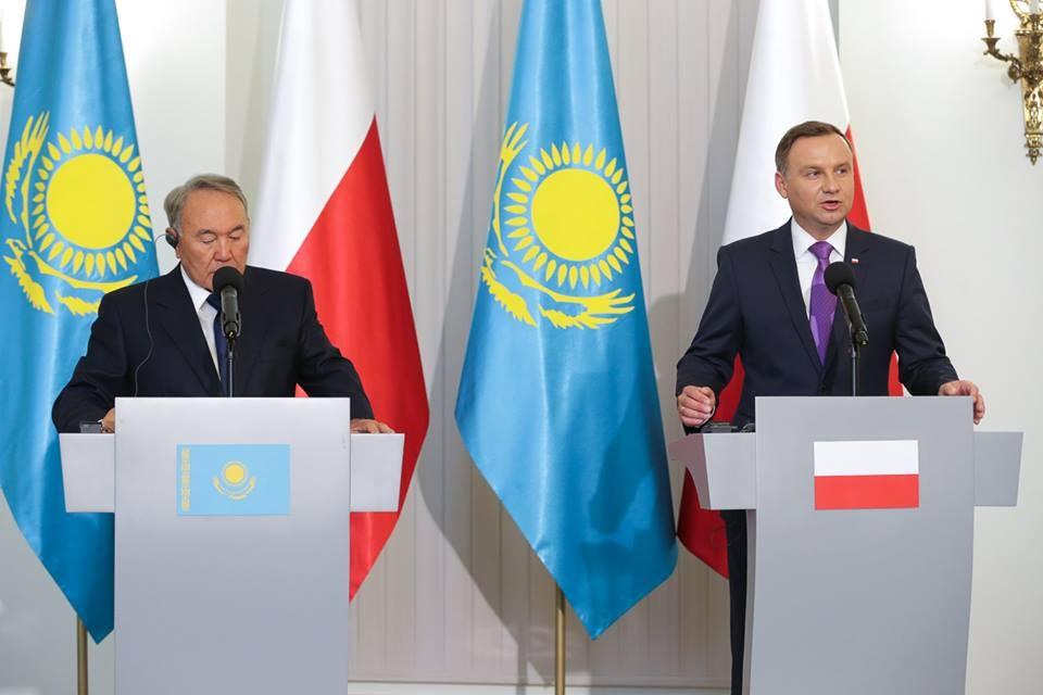Нурсултан Назарбаев назвал плодотворными переговоры в Польше