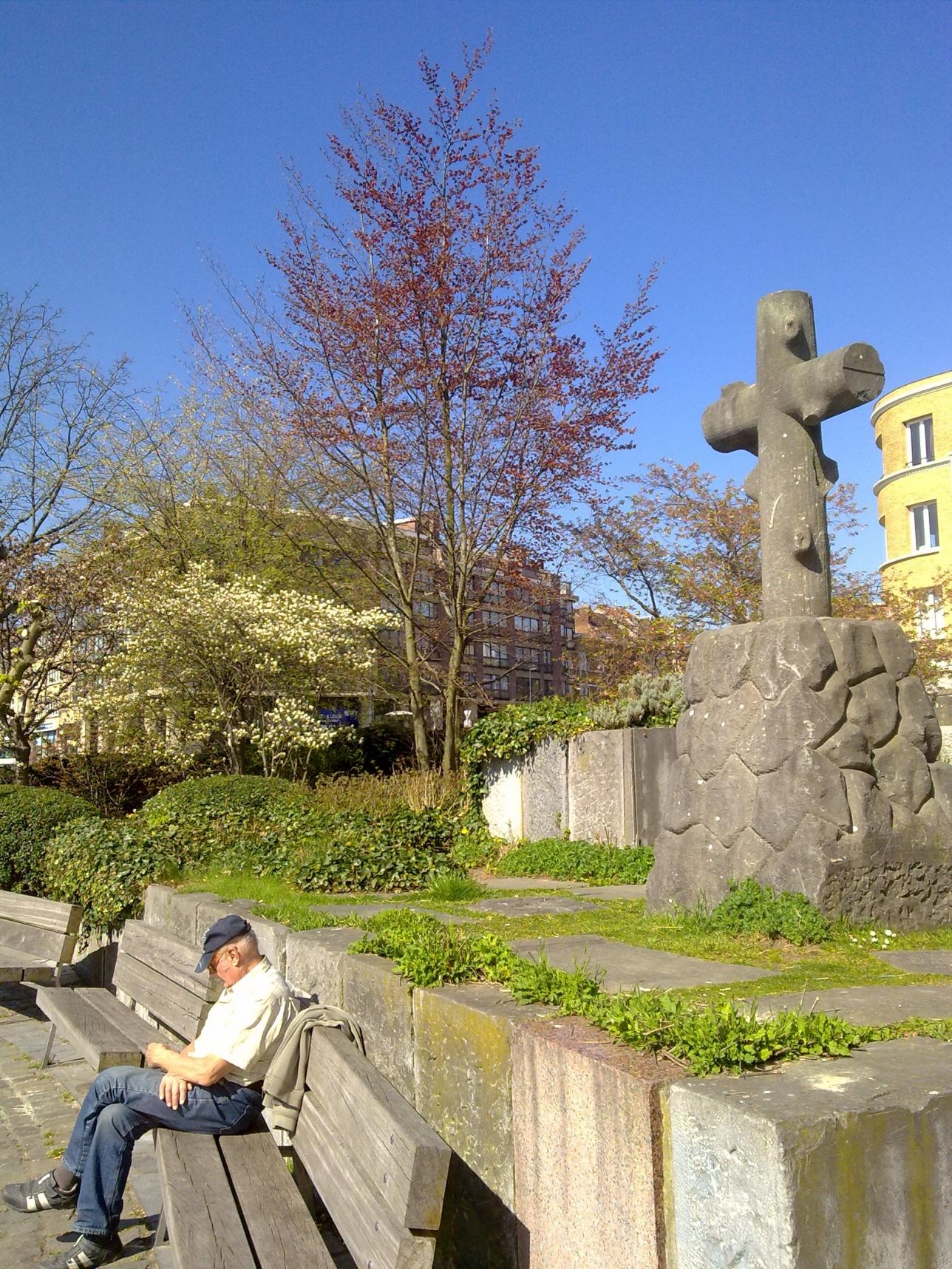 Остатки кладбища павших героев в Брюсселе