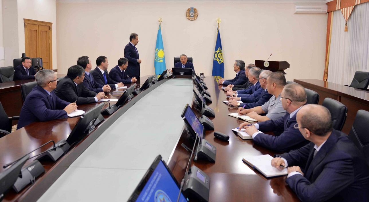 Встреча Назарбаев с сотрудниками КНБ РК