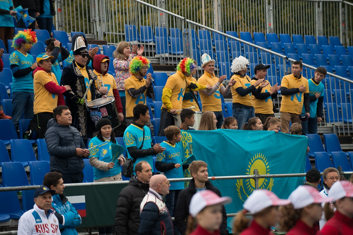 Казахстанские болельщики на протяжении всего матча активно поддерживали Александра Недовесова