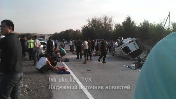 Пострадавших помогали доставлять в больницу очевидцы ДТП