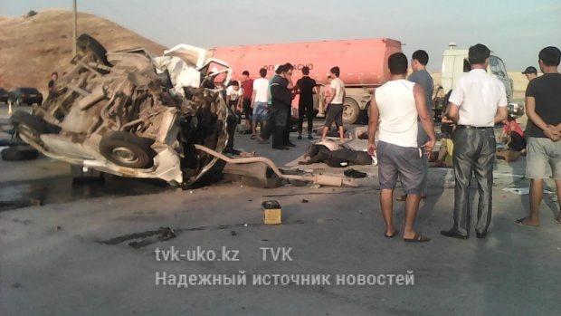 В лобовом столкновении погибли пять человек