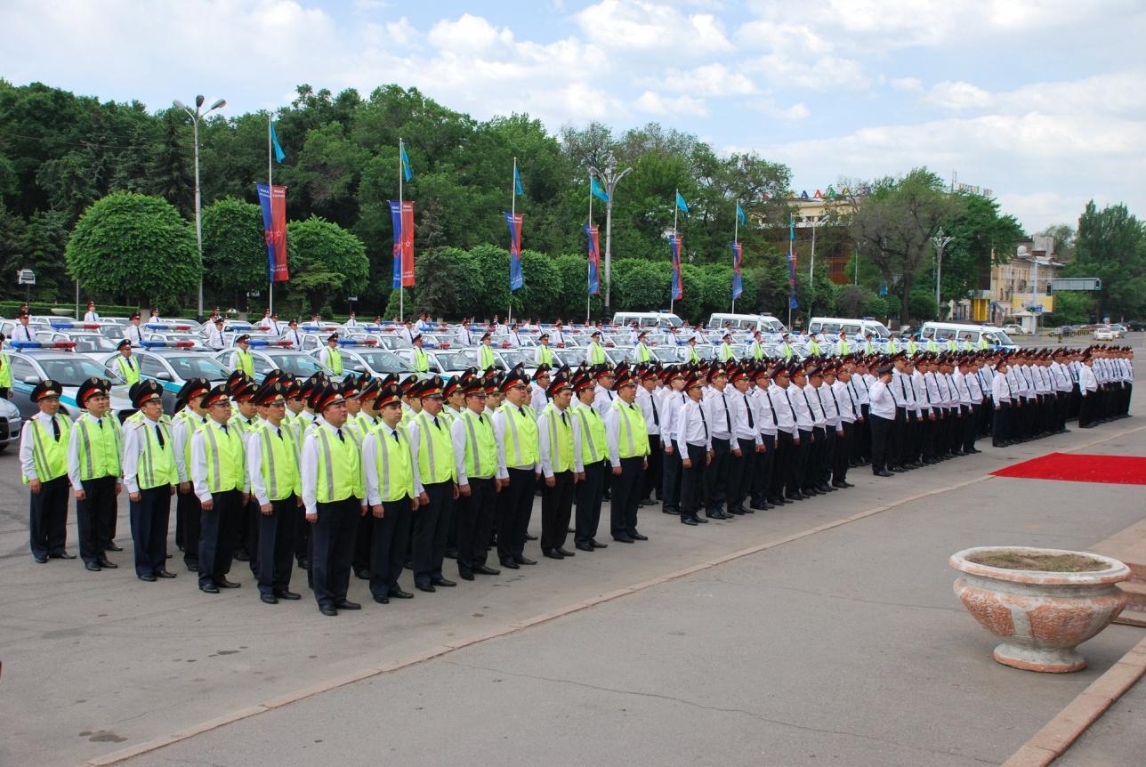 Полицейские работают в две смены