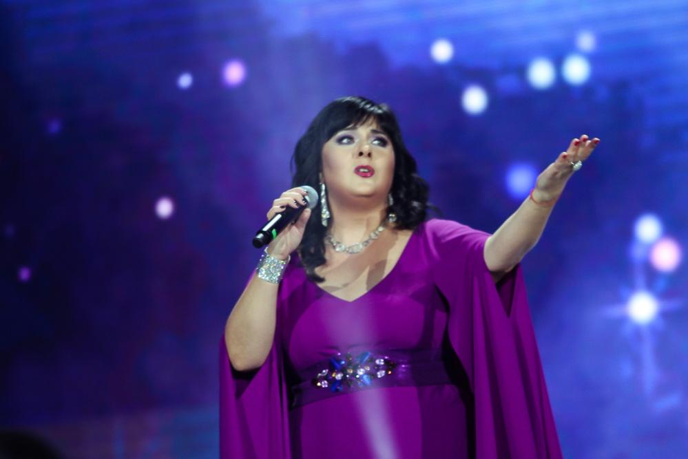 Абдуллина посвятила песню Сыздыкову на казахском языке