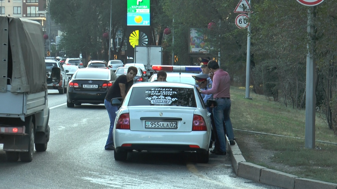 """Внимание полицейских привлекла """"Лада"""" без госномеров"""