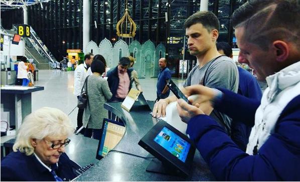 Казахстанцы более семи часов не могут вылететь на родину из Сочи