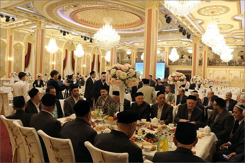 Более тысячи гостей пригласили на открытие мечети