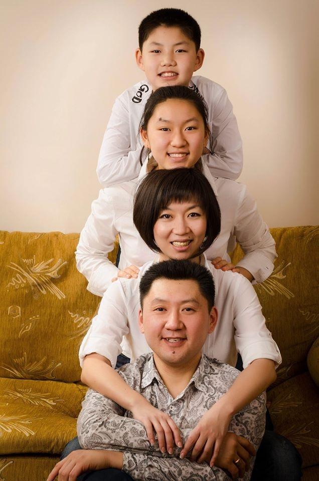 Семья Пак в полном составе