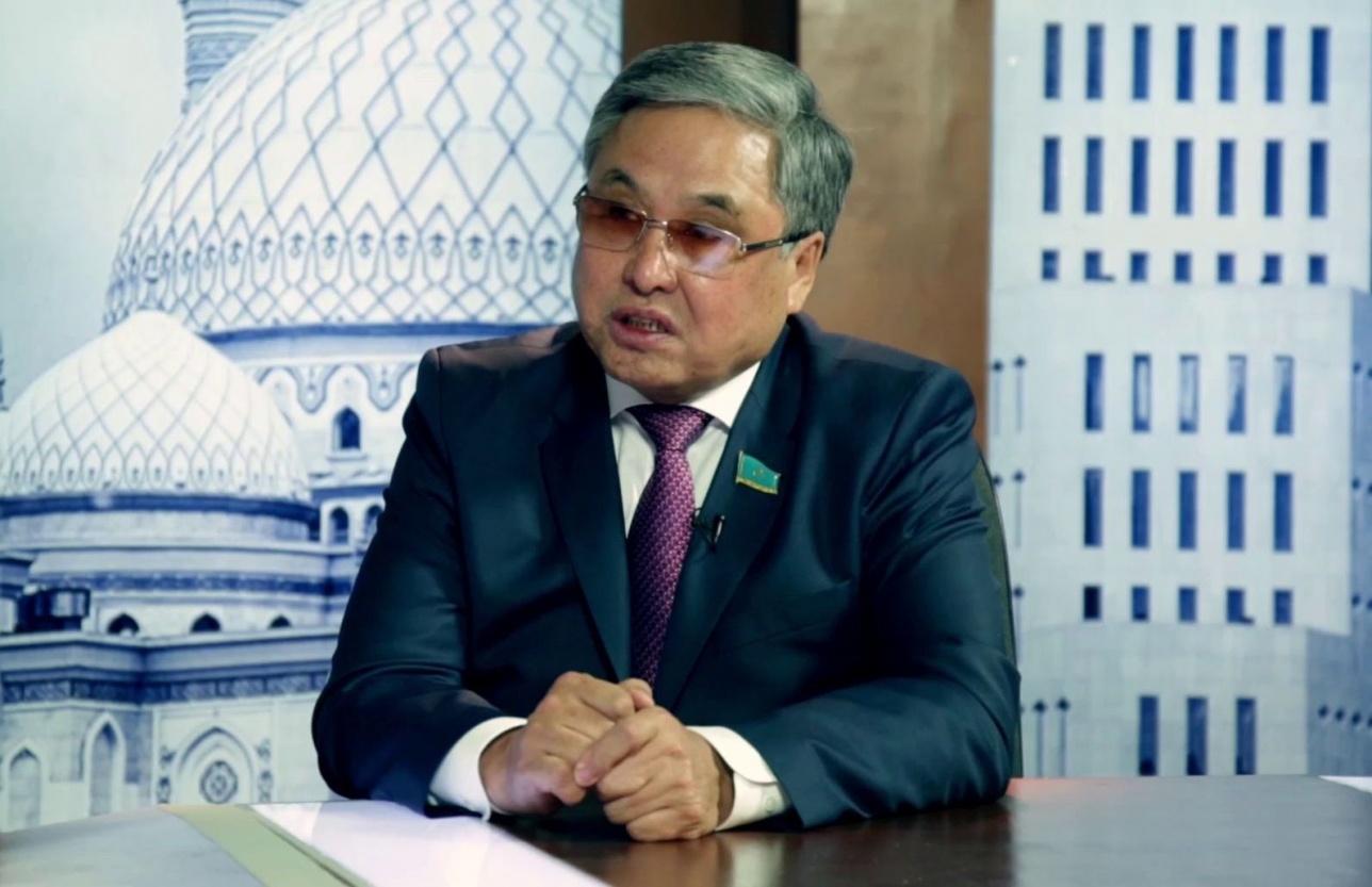 Сенатор Жабал Ергалиев написал сценарий спектакля о религиозной вербовке