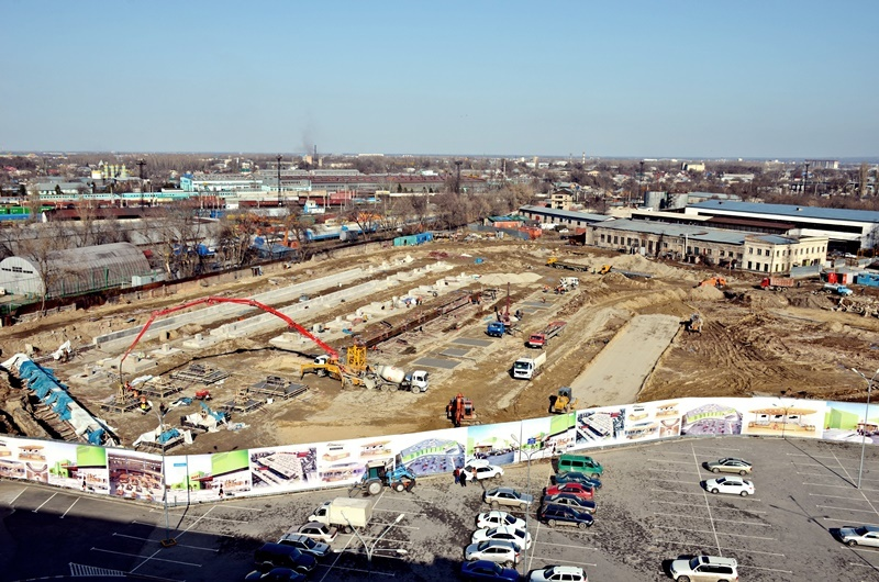 Рынок строят возле действующего торгового центра