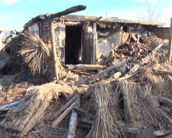 Дом многодетной матери полностью сгорел