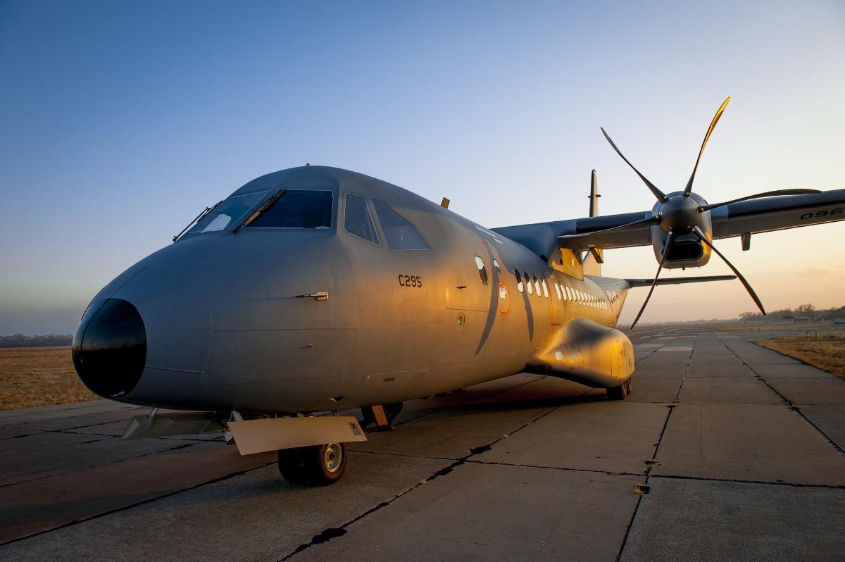 C-295 на военном аэродроме в Жетыгене