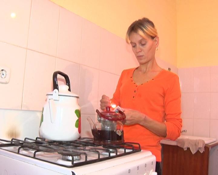 Галина Новикова на кухне новой квартиры