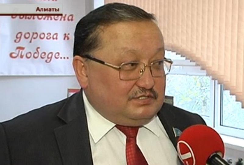 Учитель труда Булат Калиев