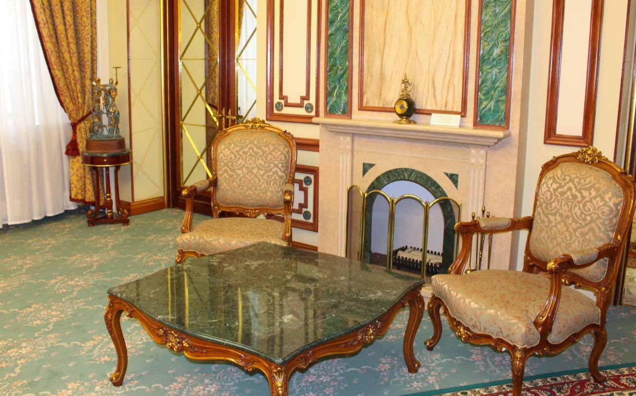 Каминный зал, где Назарбаев проводил встречи в узком составе с иностранными делегациями