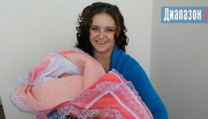 Тамару Горецкую с дочерью Ритой выписали из роддома. Маме ещё предстоит реабилитация
