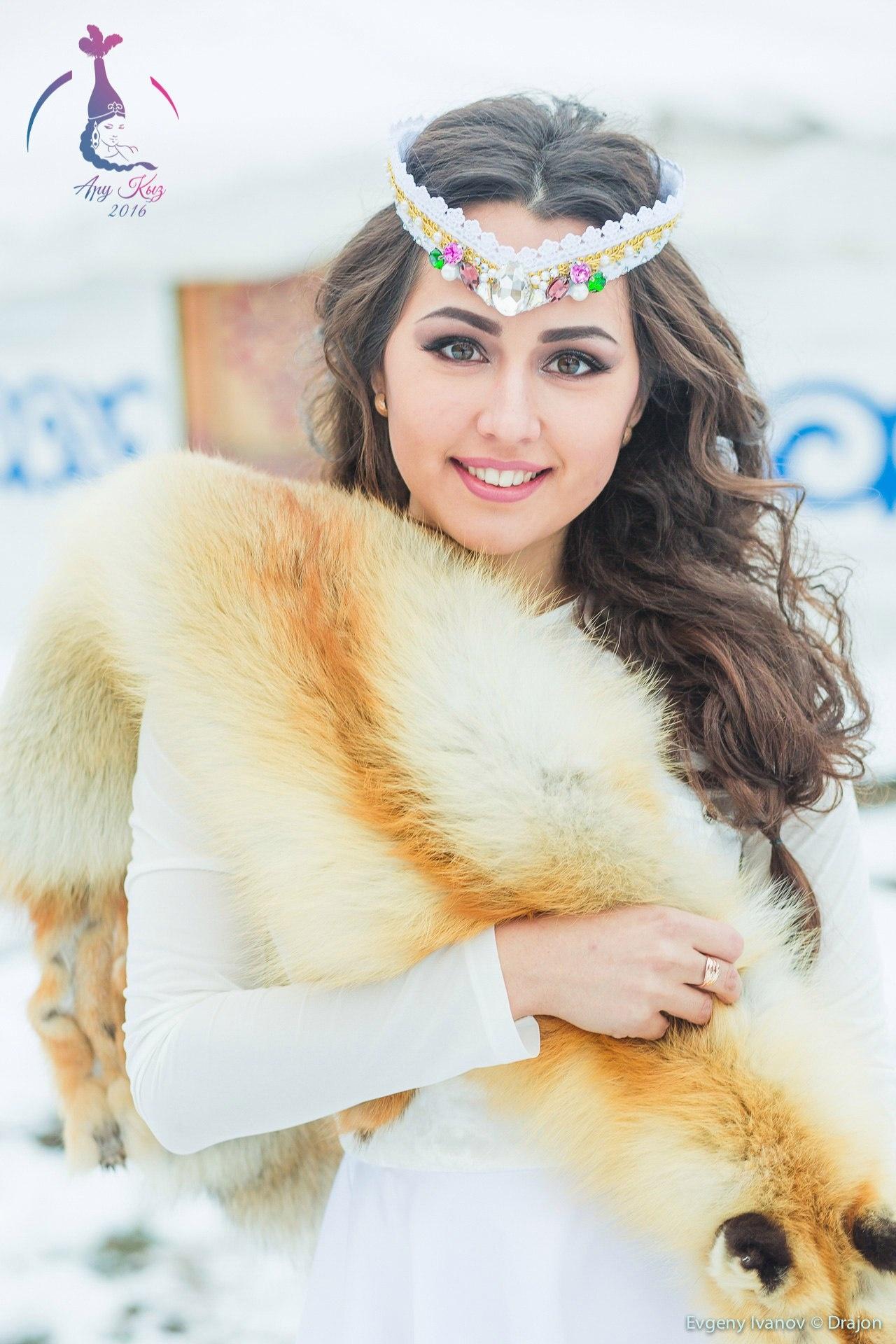 Аина Шартанбаева получила приз за лучший творческий номер