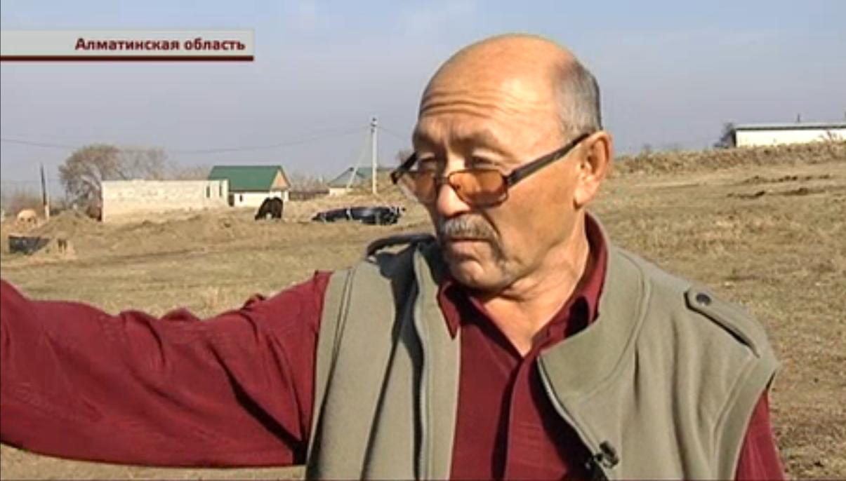 Толенды Танатаров пожалуется на местного акима главе региона