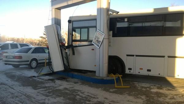 К счастью, утечки бензина не произошло