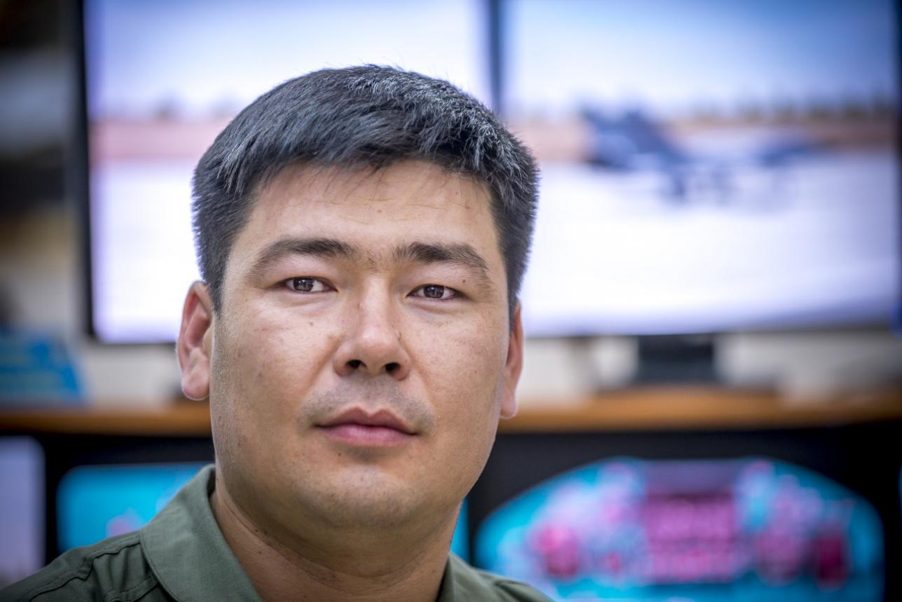 Капитан Мадьян Арыстамбеков, заместитель командира авиационной эскадрильи