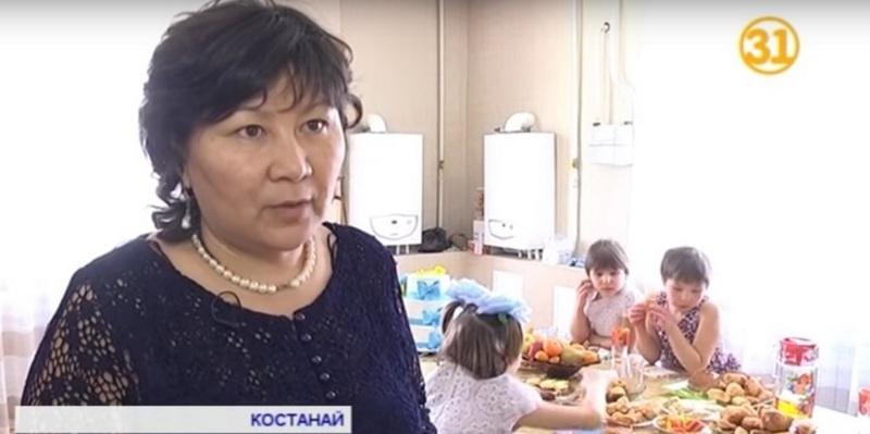 Гульжаухар Тулегенова уверена, что в её семье детям лучше, чем в детдоме