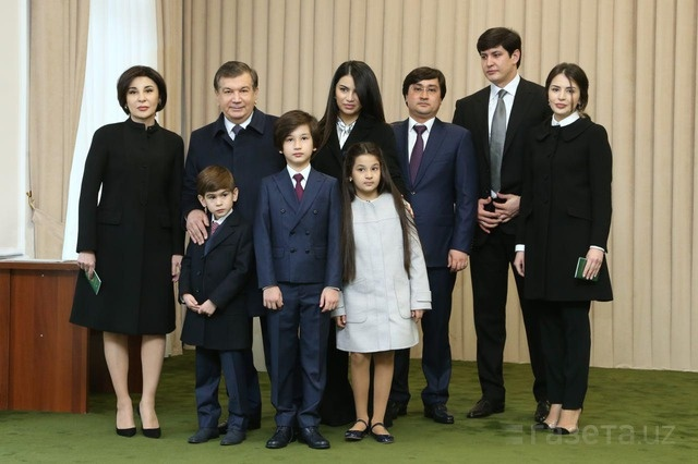 шавкат Мирзиёев с семьёй
