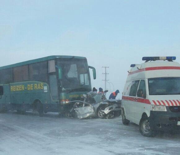 Фотографии с места аварии появились в соцсетях