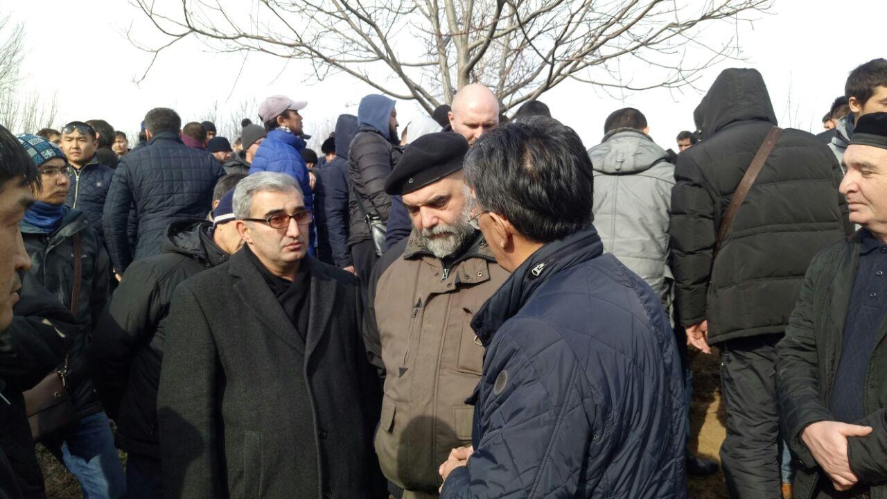 Сын Гейдара Джамаля принимал соболезнования от сотен людей