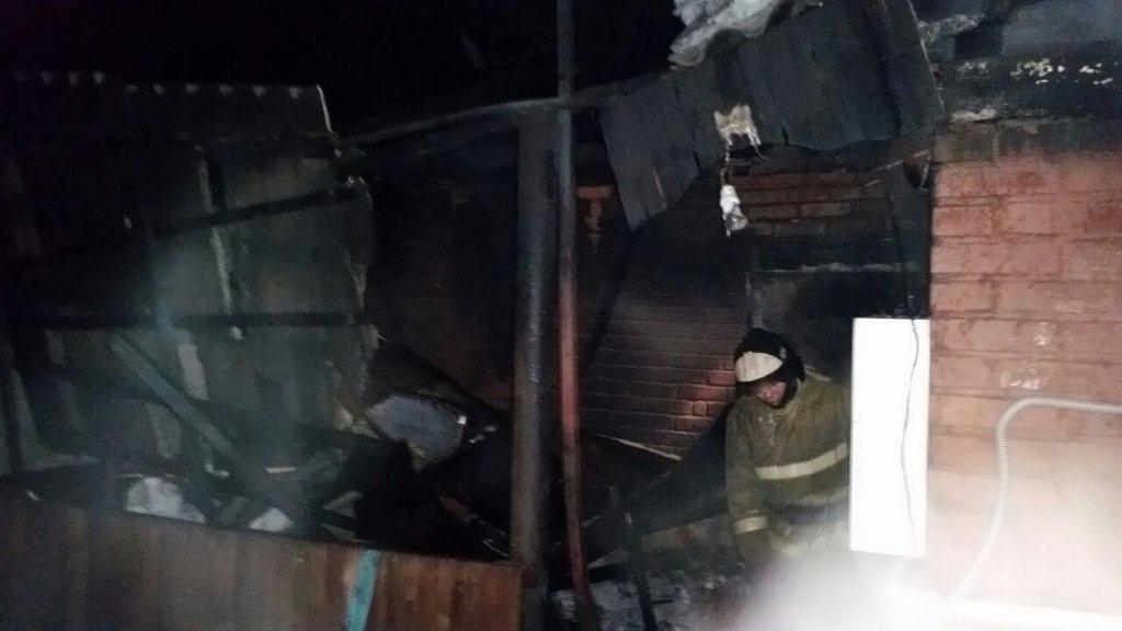Личность двух погибших в пожаре мужчин устанавливается