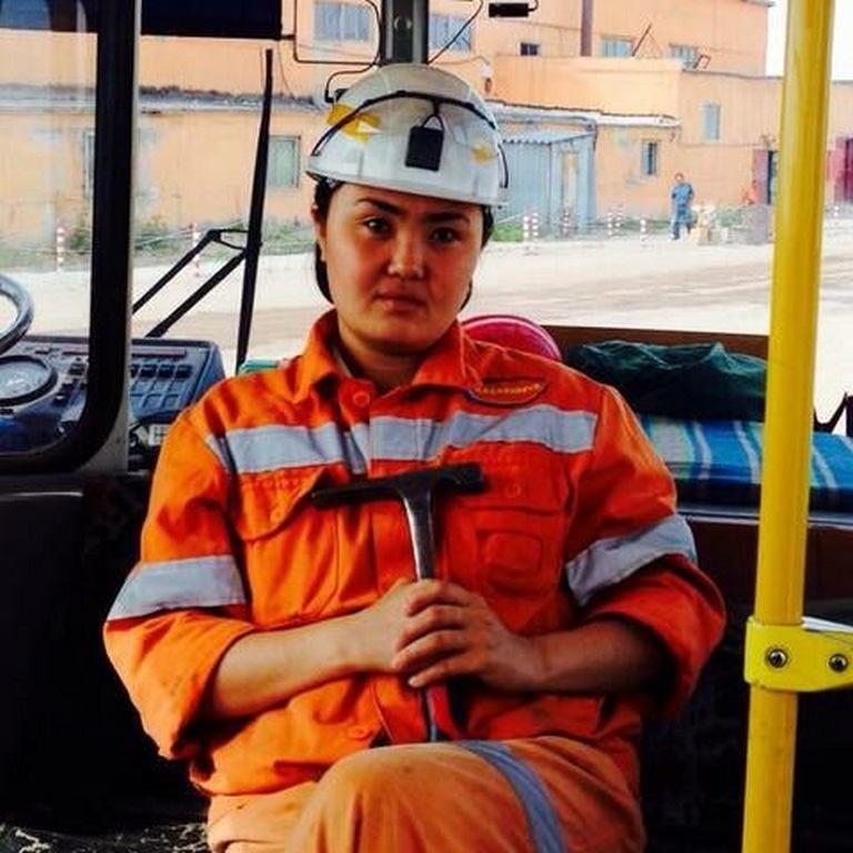 Асем работала главным геологом