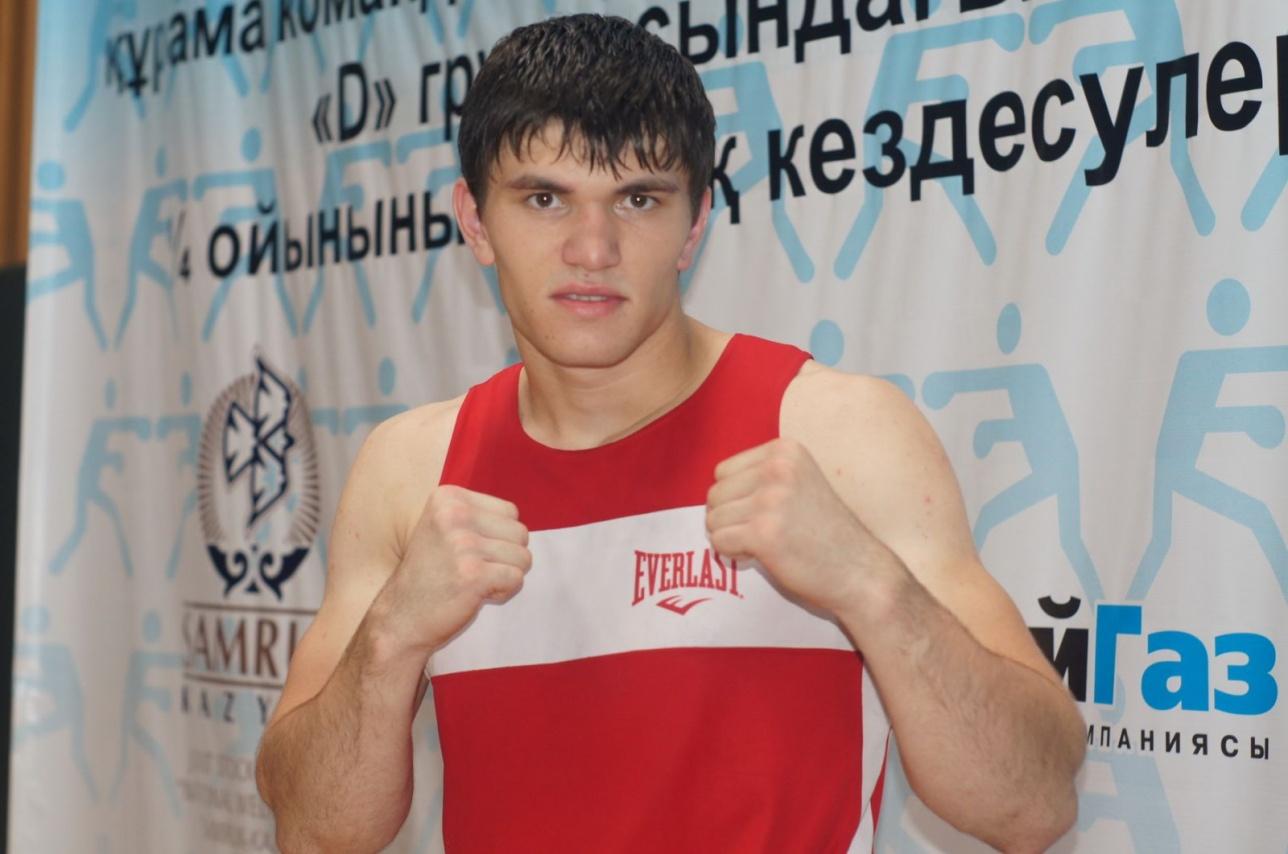 Али Ахмедов одержал пятую победу на профи-ринге