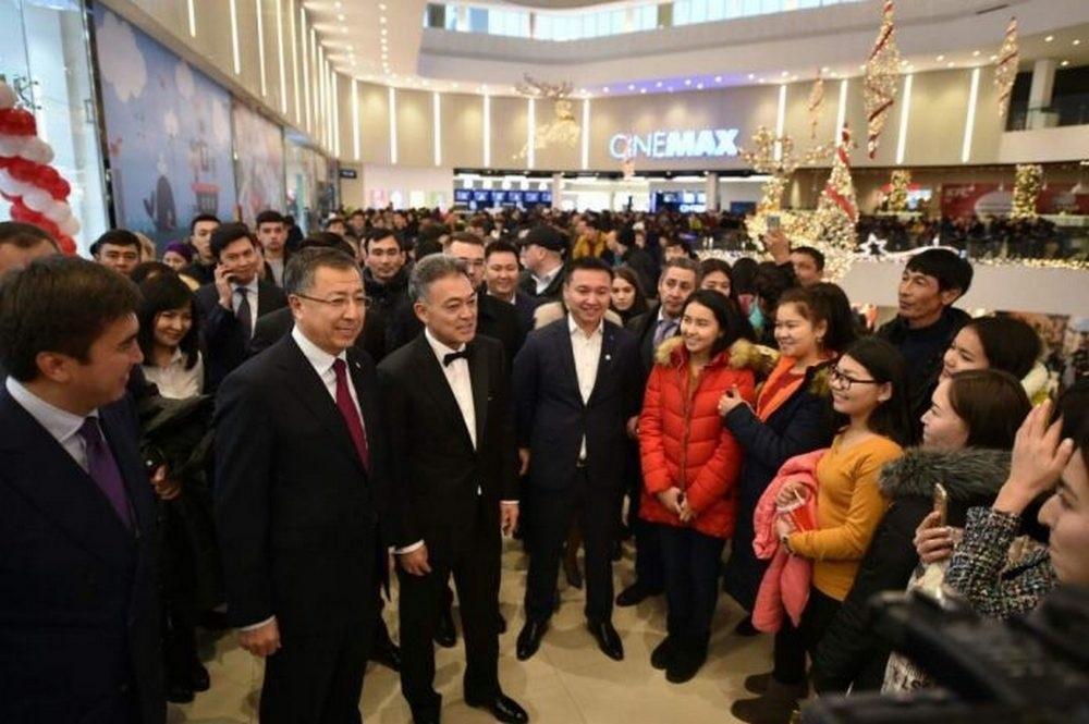 На открытии самого большого ТРЦ в Шымкенте приехал глава региона