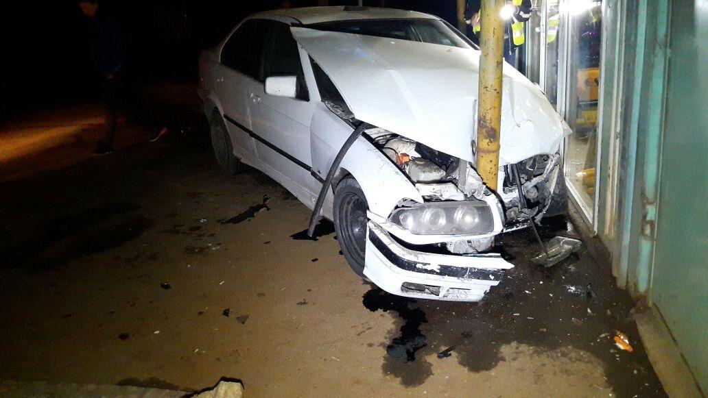 Водитель BMW получил серьёзные травмы