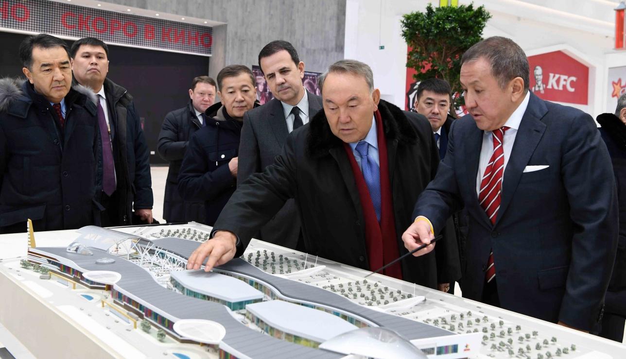 Назарбаев посетил объекты международной выставки