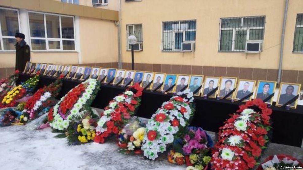 Церемония прощания с пограничниками, погибшими 25 декабря, в Шымкенте