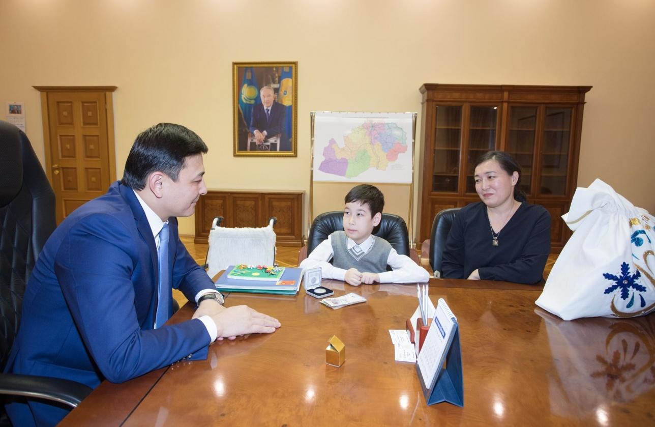 Новогоднее желание 8-летнего Чингиса исполнил глава региона