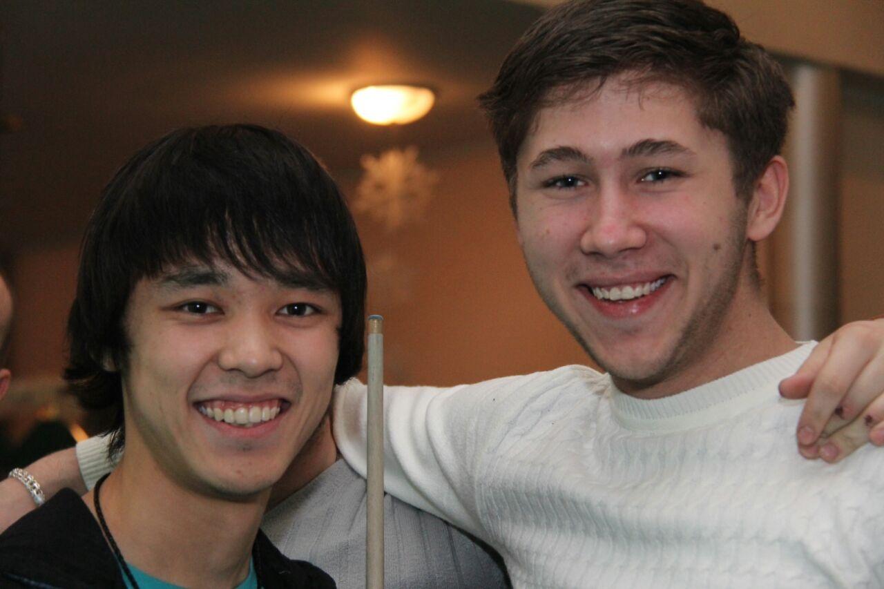 Алмат и водитель авто Арсений (справа)