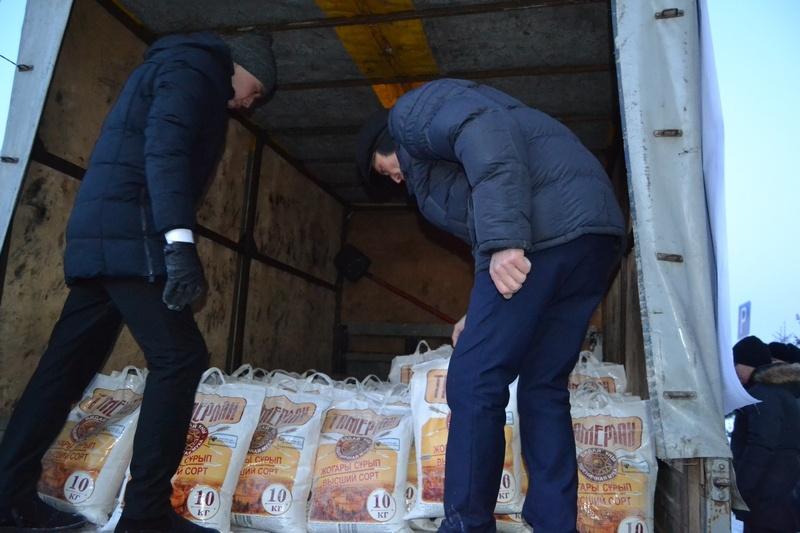 Муку, макароны, гречку и мясо отправили в Карагандинскую область
