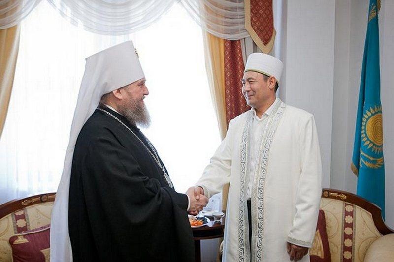 Верховный муфтий хазрет Ержан хаджи Маямеров поздравил митрополита Астанайского и Казахстанского Александра